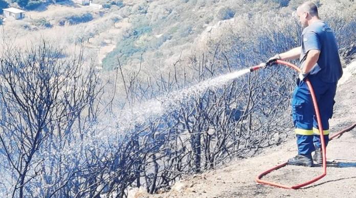 Κερατέα:-Τέθηκε-υπό-πλήρη-έλεγχο-η-φωτιά-–-Οι-εικόνες-καταστροφής-που-άφησε-πίσω-(φωτό)