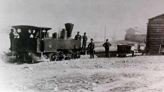 Η-ιστορία-του-σιδηρόδρομου-Πειραιά-–-Κηφισιάς