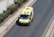 Στους-7-οι-τραυματίες-από-τη-φωτιά-σε-διώροφο-σπίτι-στα-Καλύβια-–-Δύο-είναι-σοβαρά