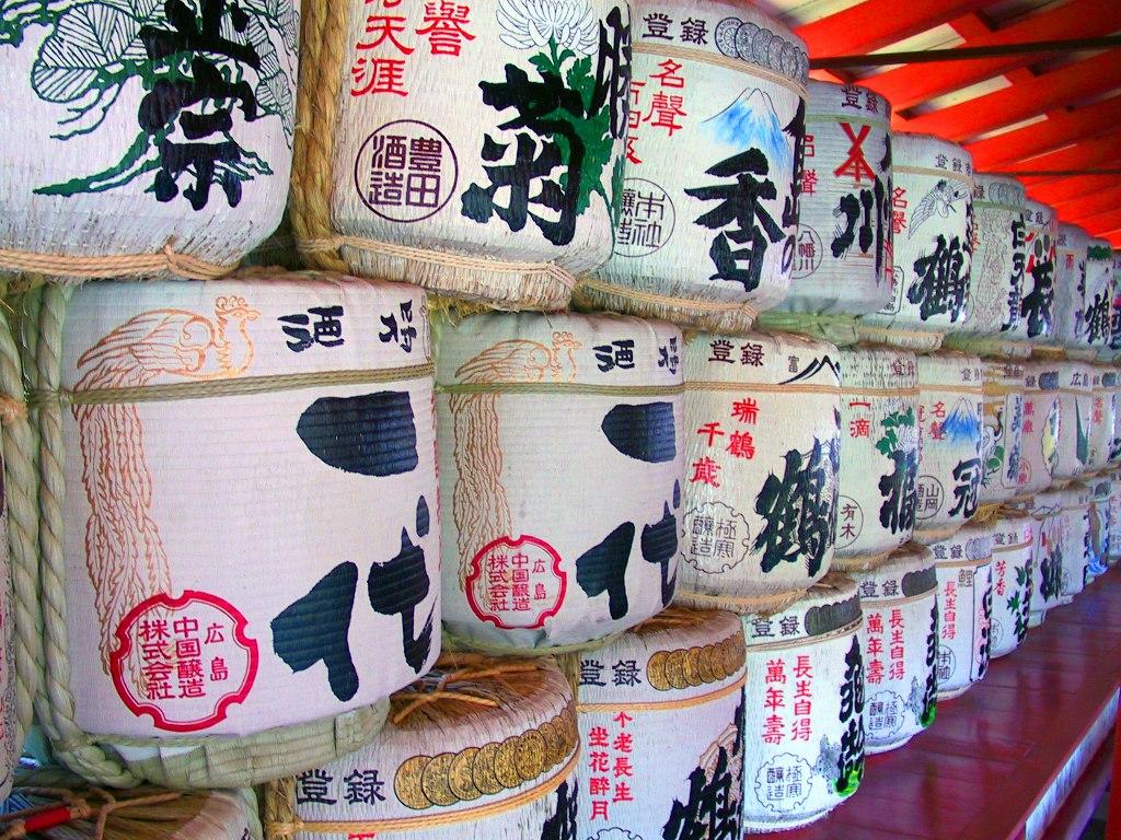 Sake_barrels