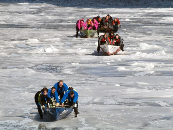 Joyeux Carnaval Ice canoe races.