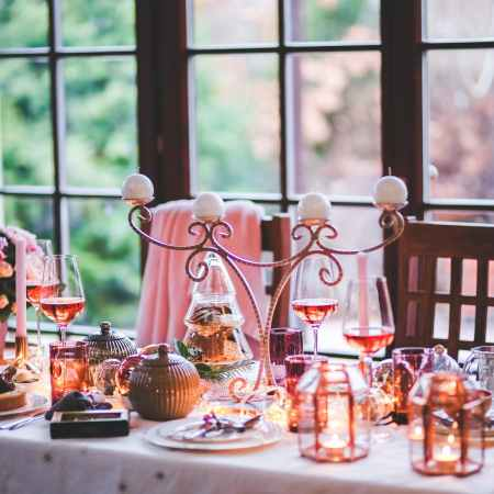 beautiful christmas table setting