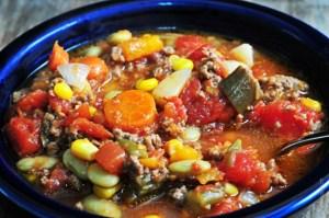 slow-cooker-vegetable-soup-DSC_1392-640x425