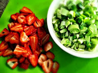strawberry+green+onion