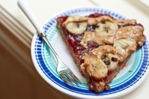 PB&J breakfast pizza