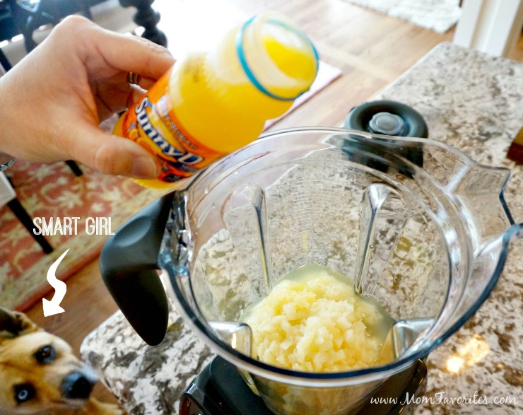 Looking for summer pool party ideas? Host this Fun in the Sun Party with great food ideas, a Pineapple Orange Whips recipes, and cute goodie bags!