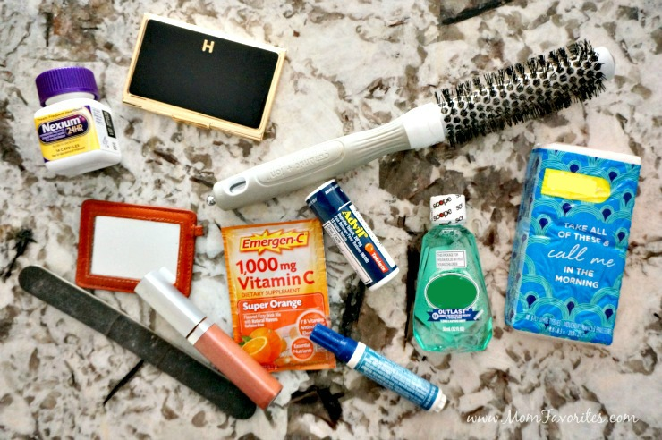 Put that mom bag aside and get the basic essentials for your next date! With these few products you'll be able to fit everything you need in a trendy clutch!