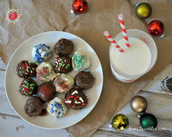 Holiday treats are made super simple with this no-bake oreo truffle recipe! Perfect for neighbors, teachers, and that cookie exchange party!