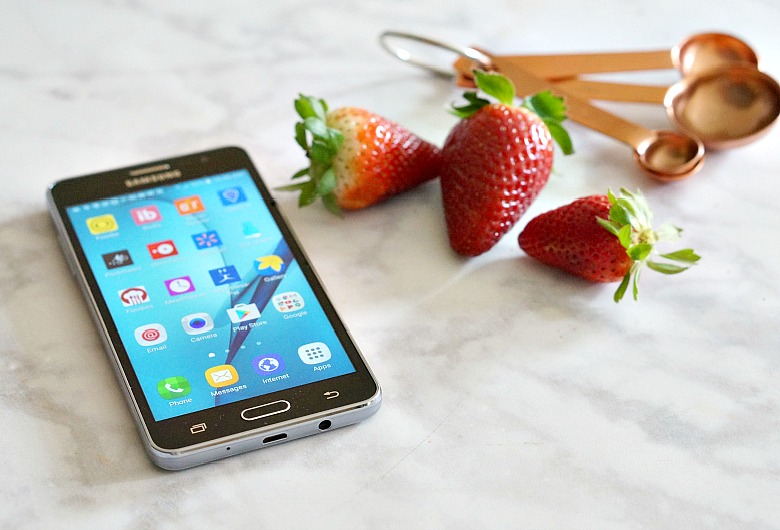 Love food? Need more time? Want help budgeting? Check out these best-of-the-best time and money saving apps for foodies. #3 is a favorite!