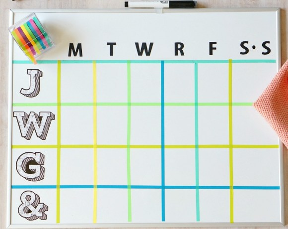 Never miss an important event again with this easy to make DIY Dry Erase Board Weekly Family Activity Planner! It's the perfect organizational solution, especially for large families!