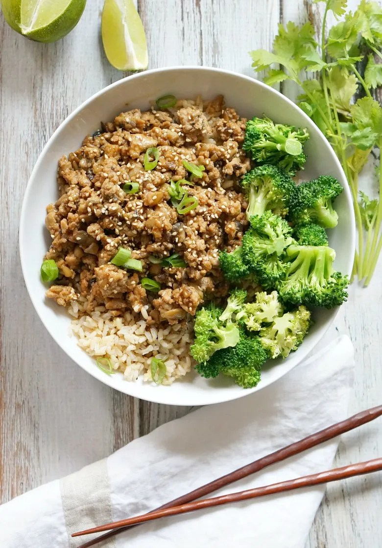 With just 15 minutes and six ingredients, these Turkey Teriyaki Bowls make the perfect dinner for hectic school nights. Serve this Turkey Teriyaki with rice and steamed broccoli or in lettuce cups for an even lighter meal option!