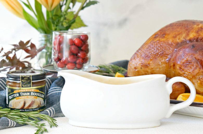 You can make turkey gravy without drippings. And guess what? It's amazing. Stress less this Thanksgiving with this easy turkey gravy recipe.