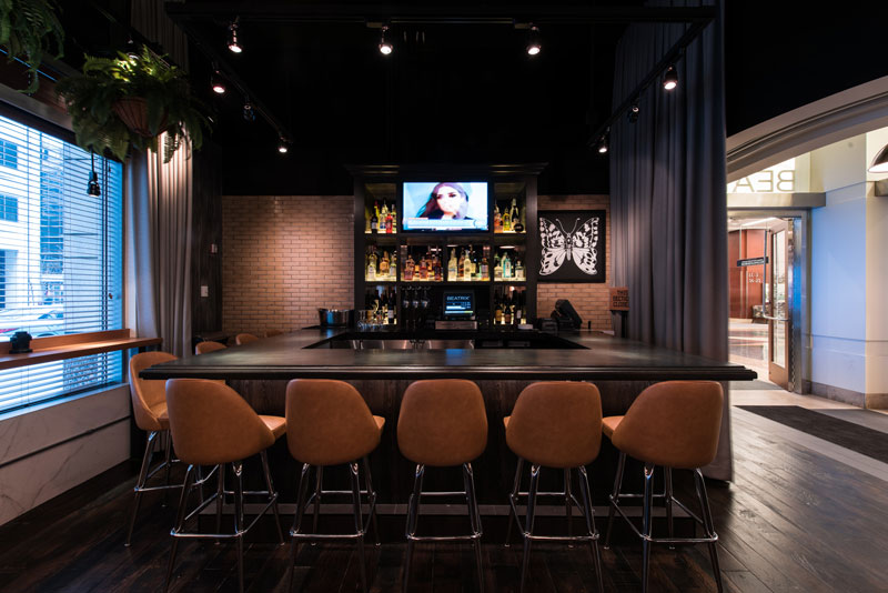 beatrix-interior-renovation-bar-streeterville