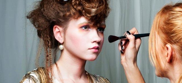 Cursos gratis de maquillaje presenciales de Etnia Cosmetics
