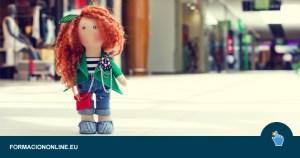 Curso Gratis de Costura: Cómo Hacer una Muñeca de Tela Reciclada