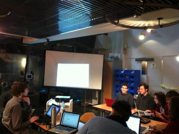 Bruno Martin anime l'atelier MindMapping avec XMind lors de la soirée Hack your PhD