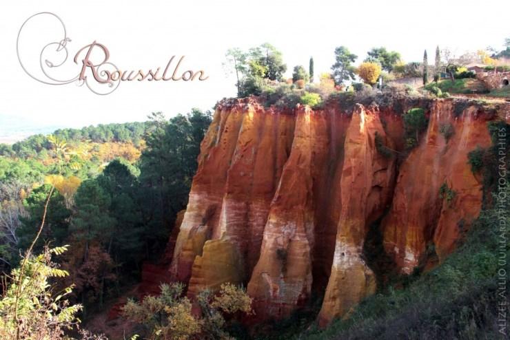 Roussillon village Provence ocres