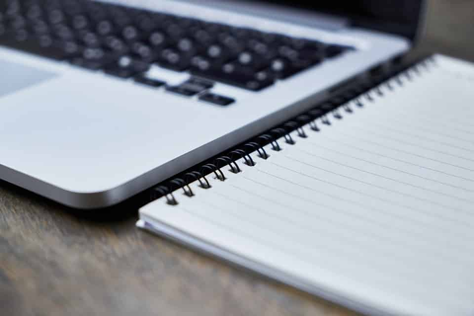 Méthodes pour Écrire Vite : 8 Astuces qui permettent de Gagner du Temps