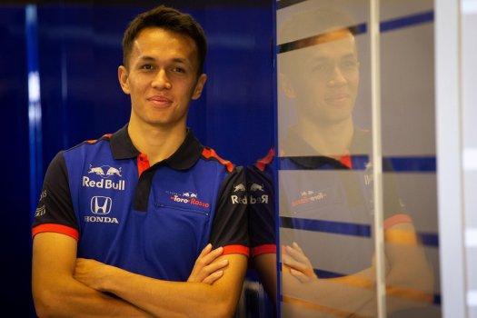 Alexander Albon - Toro Rosso | Red Bull Racing
