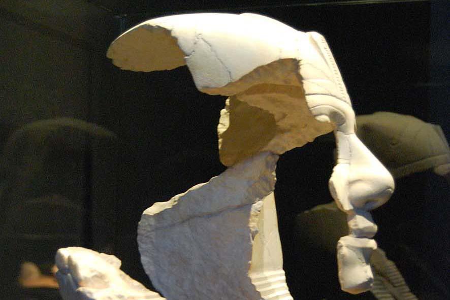 Fragmentarische Büste des Pharao Chephren für das Museum Lokschuppen