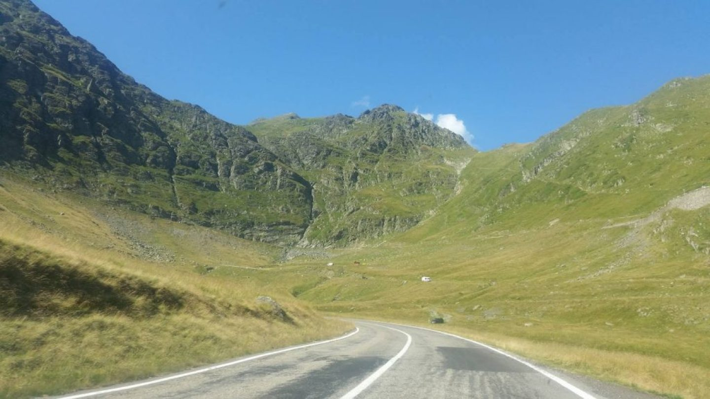 Formidable Joy | UK Fashion, Beauty & Lifestyle Blog | A Romanian Road Trip | Travel | Romania | Road Trip | Transfagarasan