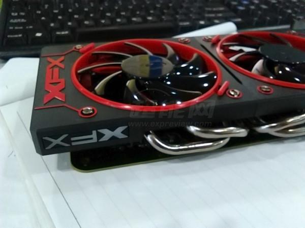 XFX-AMD-Radeon-R9-380X-3-FH