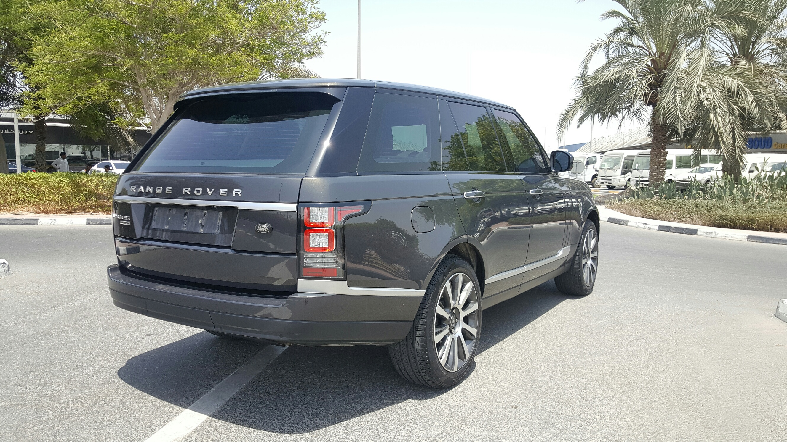 Range Rover Vogue SE SUPERCHARGED – Formula Motors LLC Dubai