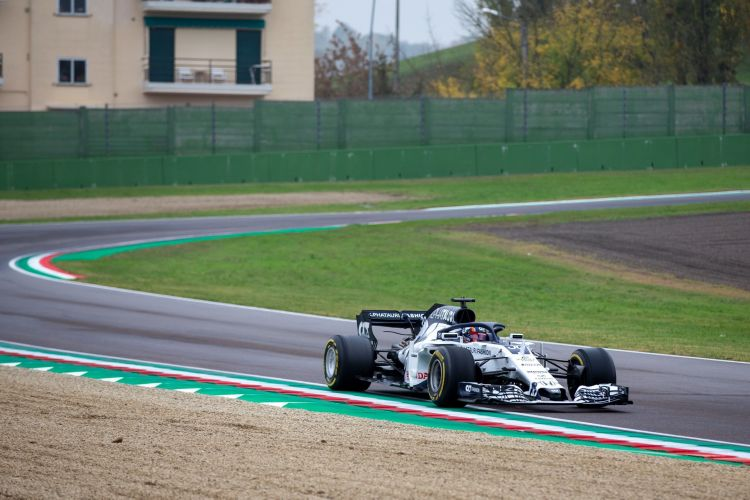 Photo/Video: Tsunoda has first F1 test; Renault juniors too, Alonso starts