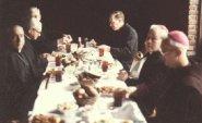 Reunión de monseñor Thuc en Acapulco (1982).
