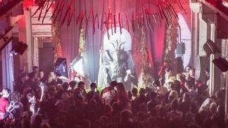 entramos-en-la-inauguracion-de-la-estatua-del-demonio-en-el-templo-satanico-de-detroit