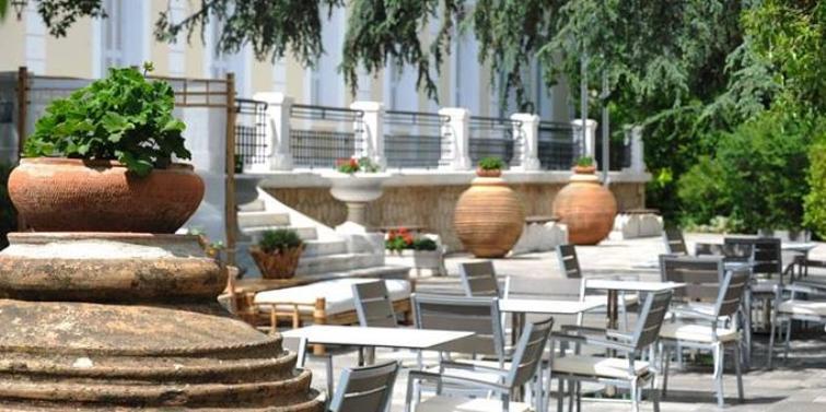 Στα Μουσεία της Αθήνας για καφέ και φαγητό
