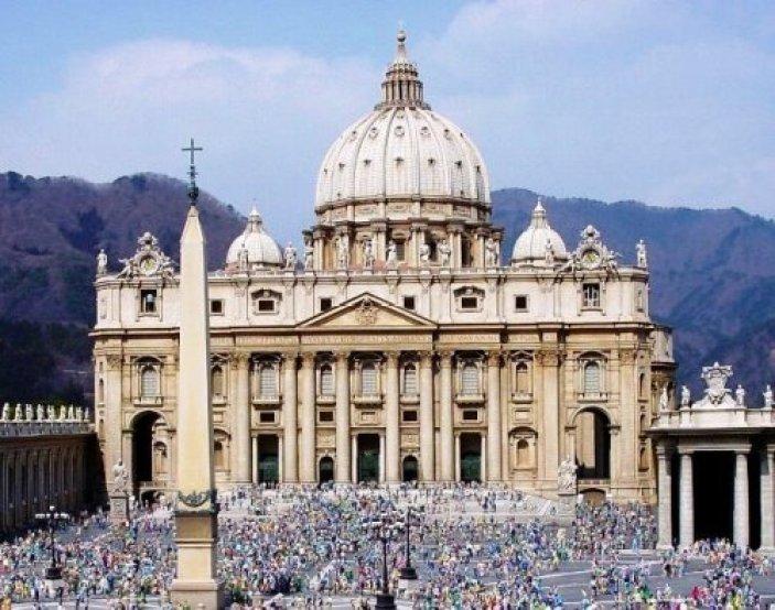 Resultado de imagen para Capilla de Todos los Santos en la Basílica de San Pedro