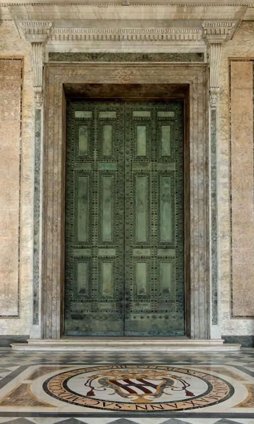 puerta santa de san juan de letran