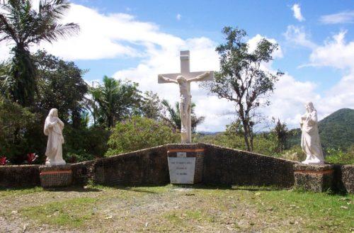 Estatuas de Montaña Santa en San Lorenzo