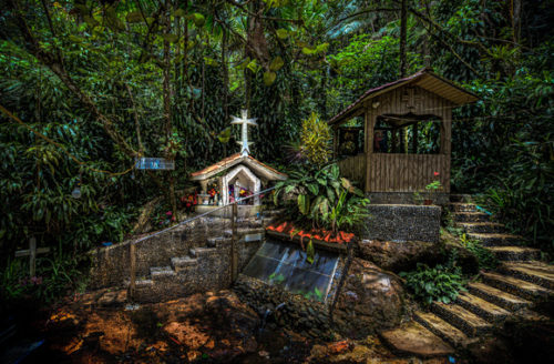 Santuario Diocesano del Manantial de la Virgen del Carmen en Montaña Santa