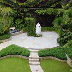 5 Maneras de Honrar a María [incluye la construcción de un Jardín para María]