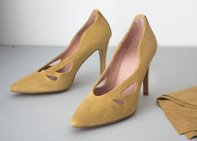 forrar zapatos con tela