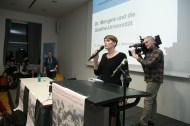 Moderatorin Katharina Rhein, Mitarbeiterin der Forschungsstelle NS-Pädagogik