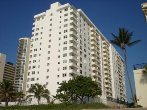 View of Galt Towers condominium Ft Lauderdale