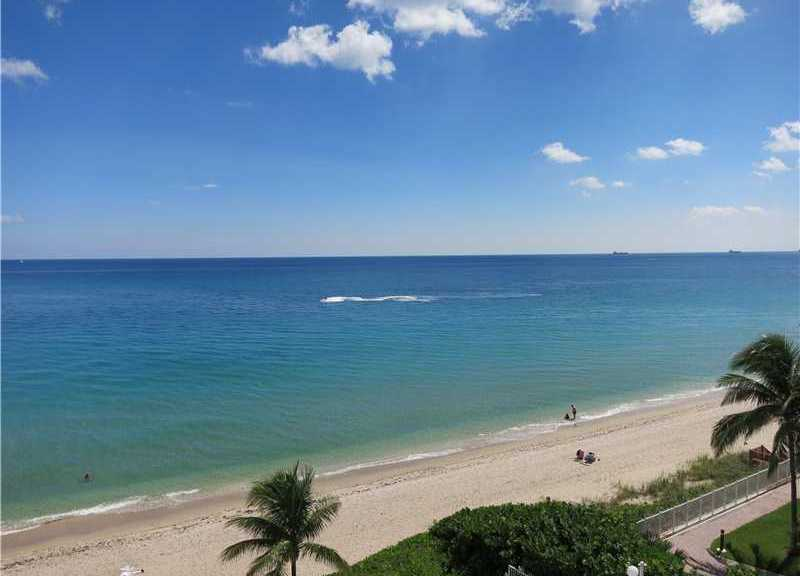 Lovely ocean views from this Galt Ocean Mile condo in Galt Towers