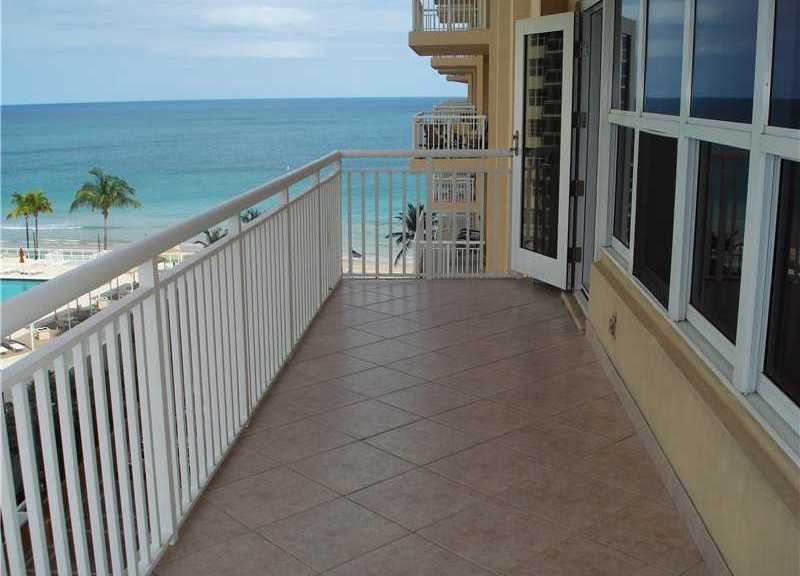 View from Fort Lauderdale condo for sale in Regency Tower