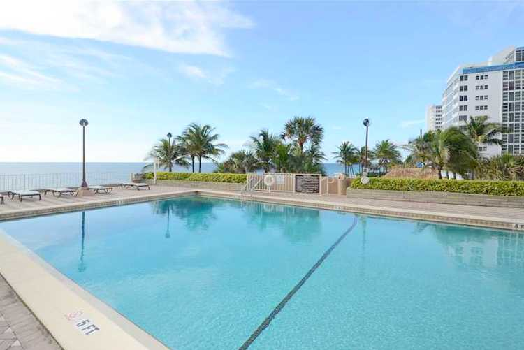 View of the pool and sundeck here at the Galleon condominium Fort Lauderdale
