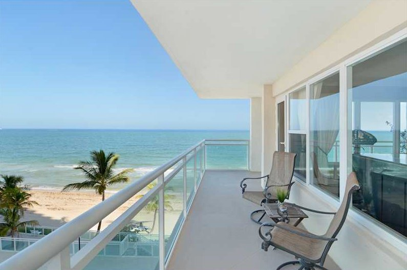 Super views from this Fort Lauderdale condo here in Playa del Mar
