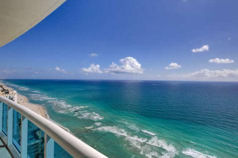 Superb ocean views from this luxury Fort Lauderdale condo sold in 2015