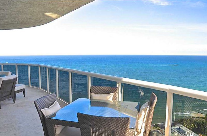 Views luxury Fort Lauderdale condo for sale here in L'Hermitage