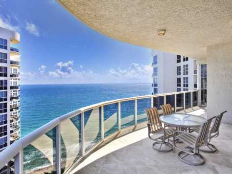 View from a Pet Friendly Fort Lauderdale condo that welcomes larger pets over 20 lbs