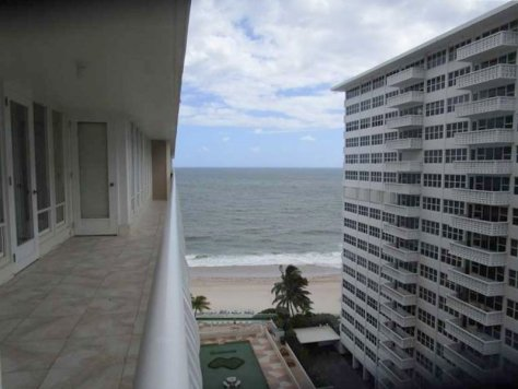 View Fort Lauderdale condo pending sale in Ocean Club - Unit 1104