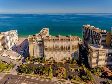 Aerial view of Plaza East condominium Galt Ocean Mile Fort Lauderdale