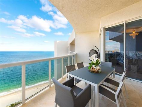 Ocean views luxury Galt Ocean Mile condo sold - L'Hermitage Unit 2803