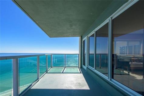View 2 Bedroom Fort Lauderdale Oceanfront condo recently sold!